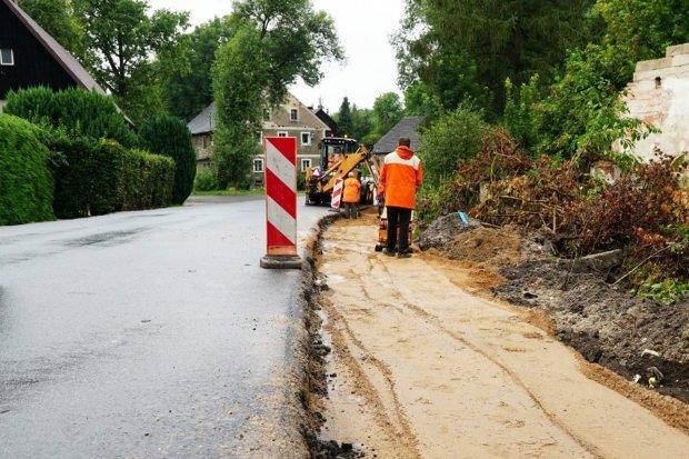 Przebudowa chodnika w Żeliszowie