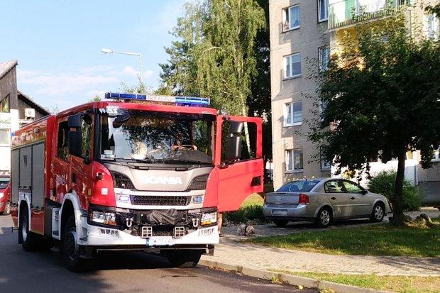 Akcja straży i policji w bloku przy Starzyńskiego