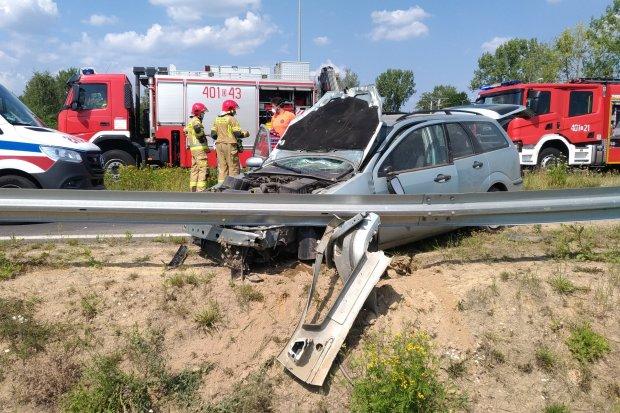Wypadek na rondzie koło Bolesławca. Kierowca miał ponad 3 promile