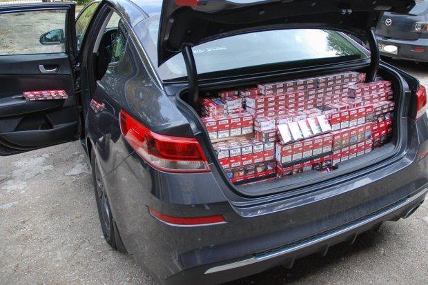 A4: jechał autem wypełnionym nielegalnymi papierosami. Miały trafić do Niemiec