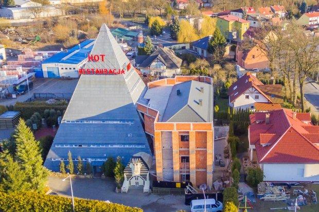 Bolesławiecka Piramida na liście 10... najbrzydszych budynków w Polsce