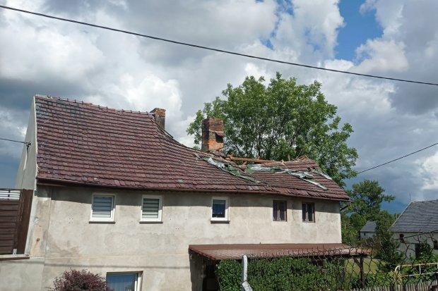 Dom w Kraśniku Dolnym cały czas grozi zawaleniem. Czytelniczka prosi o pomoc!