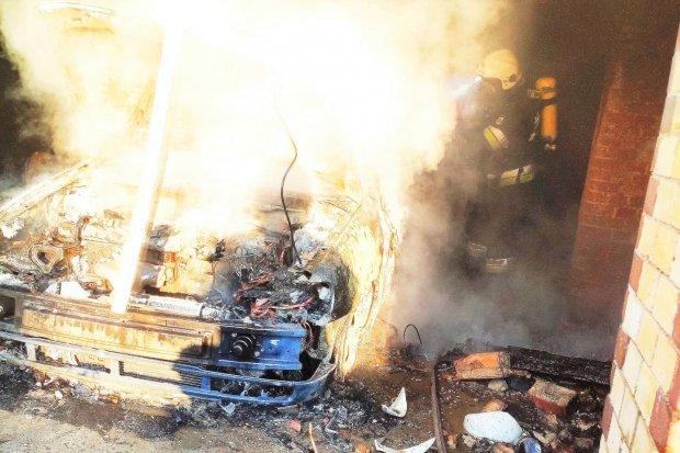 Trzeci pożar w tym samym miejscu, i to tego samego dnia! Spłonęło auto