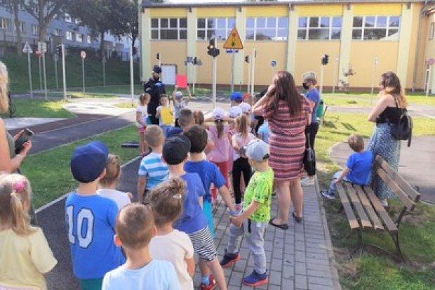 Przedszkolaki opanowały miasteczko ruchu drogowego