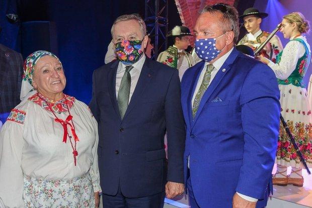Śpiewaczka Zofia Tarasiewicz doceniona przez premiera Piotra Glińskiego