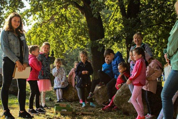 Ponad 120 przedszkolaków powitało jesień na Bobrowej ścieżce