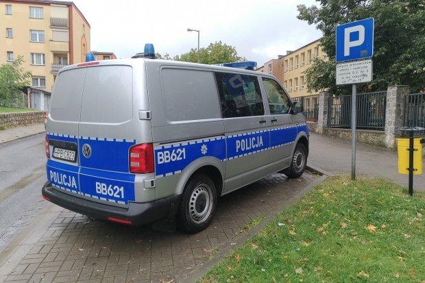 Kolejny alarm bombowy, tym razem w szkole na Słowackiego