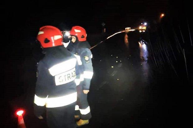 Nocna akcja straży w Krzyżowej