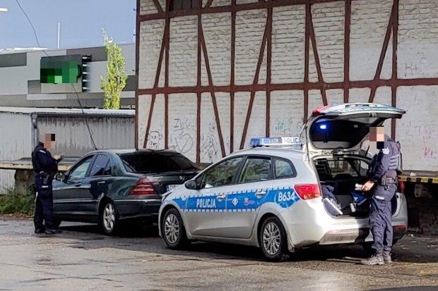 Akcja policji przy ulicy Chrobrego w Bolesławcu