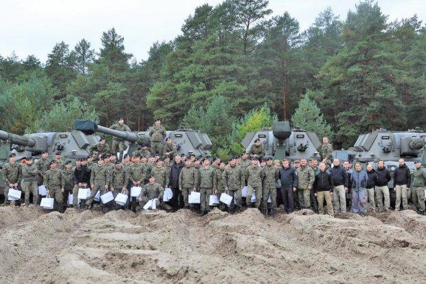 Artylerzyści zakończyli szkolenie na terenie Huty Stalowa Wola