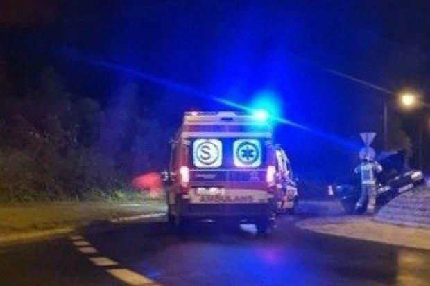 Zderzenie z udziałem trzech aut na rondzie przy Zgorzeleckiej