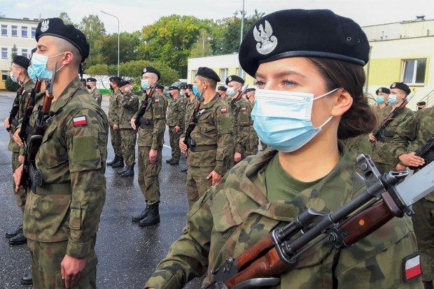 Świętoszów: Żołnierze przysięgali bez rodzin i gości