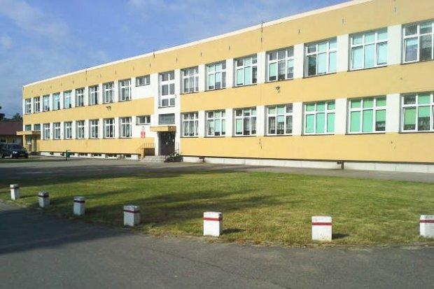 Koronawirus w szkole w Trzebieniu, część uczniów na kwarantannie