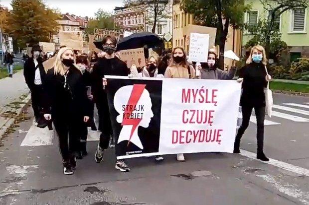 Mieszkańcy Bolesławca nie odpuszczają, kolejny dzień protestów