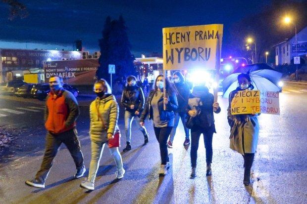 Ponad 2,5 godziny trwał wtorkowy protest. Niektórzy mieli siłę, by chodzić dalej