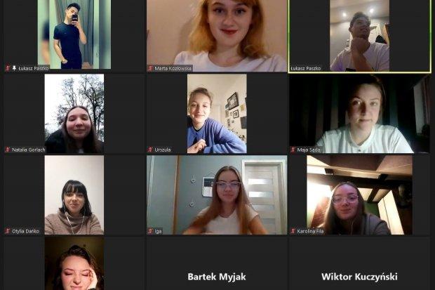 Młodzieżowa Rada Miasta Bolesławca oficjalnie wspiera protesty Strajku Kobiet