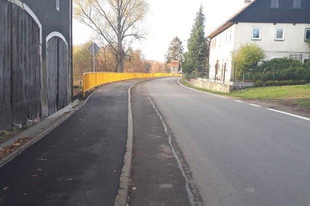 Chodnik w miejscowości Żeliszów przebudowany