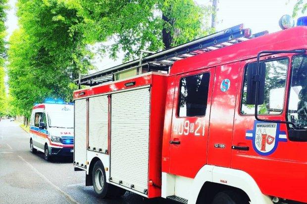 Strażacy z Nowogrodźca pomogli osobie, która mogła mieć zawał