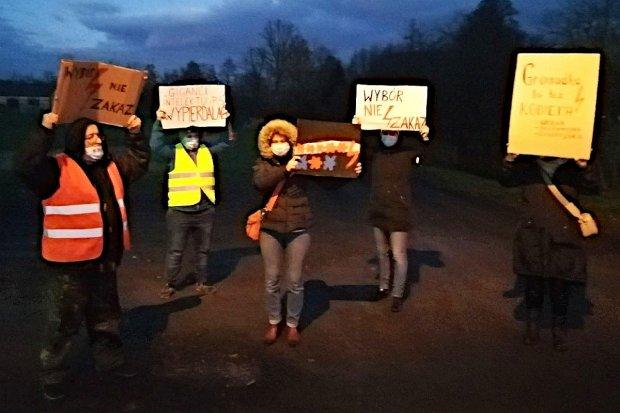 Gromadka protestuje: pierwszy Strajk Kobiet w gminie powiatu bolesławieckiego