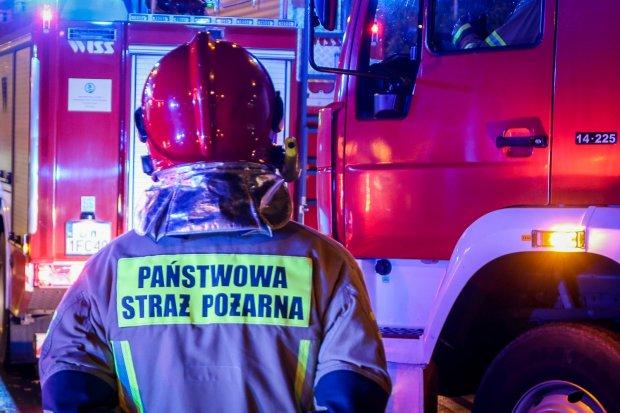 Pożar przy Wańkowicza, jedna osoba ranna