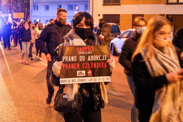 Sobotni Strajk Kobiet w sprawie dopuszczalności aborcji