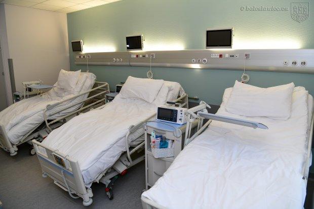 Szpital modułowy gotowy na przyjmowanie pacjentów zakażonych covidem