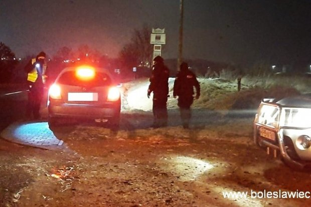 Policja: dwie osoby zatrzymane w wyniku nocnych kontroli