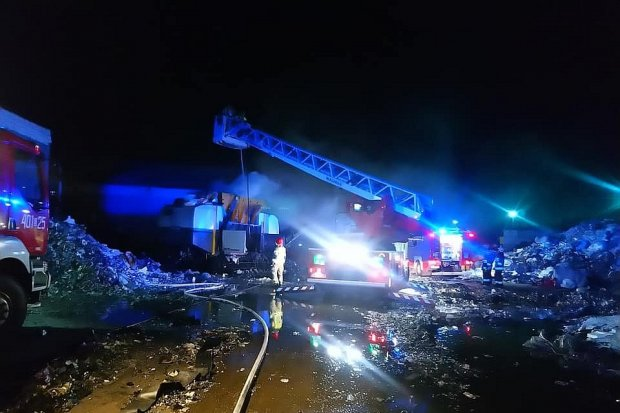 Pożar na terenie strefy ekonomicznej koło Osłej