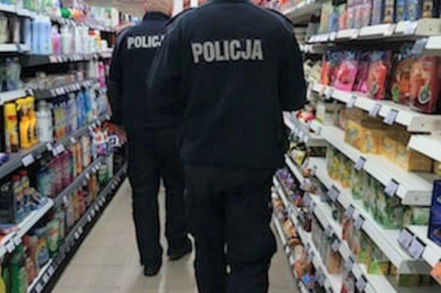 Poturbowany podczas łapania złodzieja ochroniarz ma żal do pracodawcy i państwa