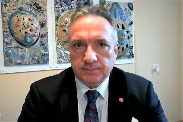 Wywiad z prezydentem Piotrem Romanem: ile pieniędzy straci Bolesławiec, bo nie kocha PiS?