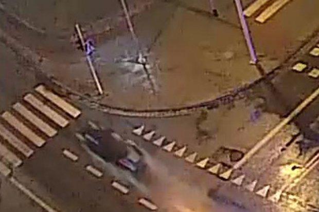 Pościg przez centrum miasta. Policjanci gonią kierowcę Audi