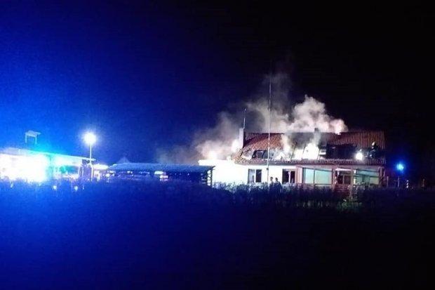 Pożar domu w Tomaszowie Bolesławieckim, zapalił się kominek
