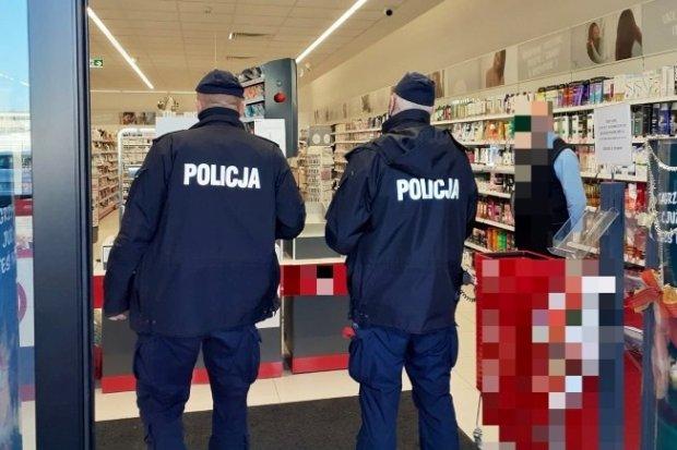 Policja: w grudniu ponad 330 ujawnionych przypadków lekceważenia obostrzeń