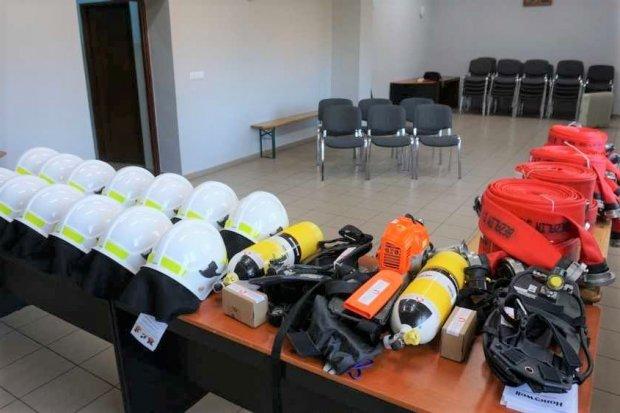 Strażacy z Gierałtowa z nowym sprzętem