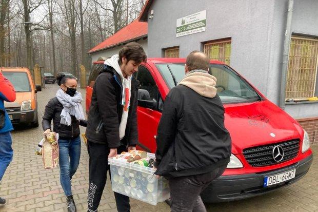 Dary z Bolesławca do schroniska w Przylasku dostarczone