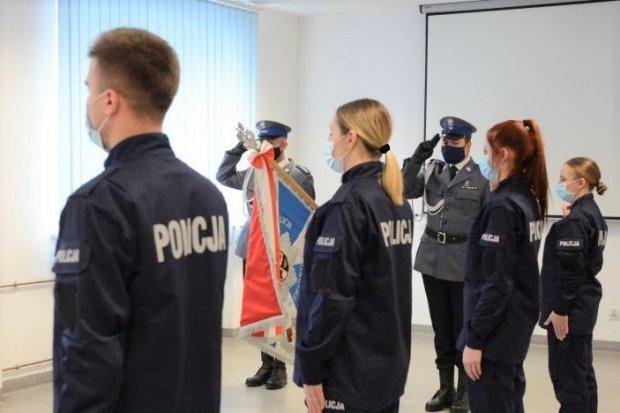 Stu nowych policjantów w garnizonie dolnośląskim. 8 trafi do Bolesławca