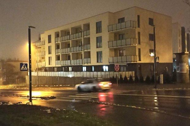 Jak działają światła na przejściu dla pieszych przy ulicy Podgórnej?