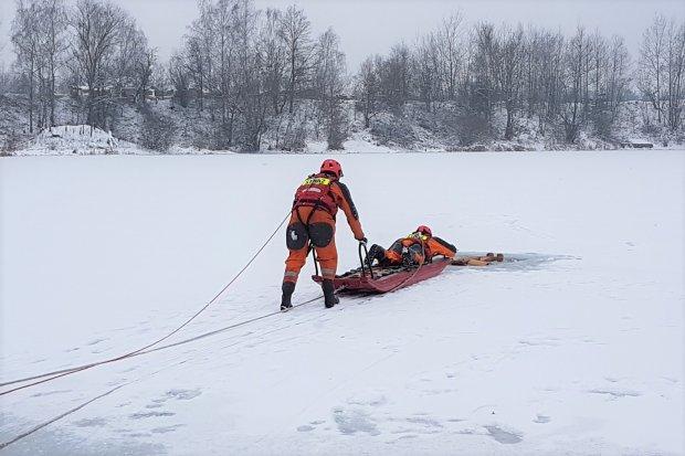 Strażacy: akcje ratownicze na bolesławieckich zbiornikach wodnych przećwiczone