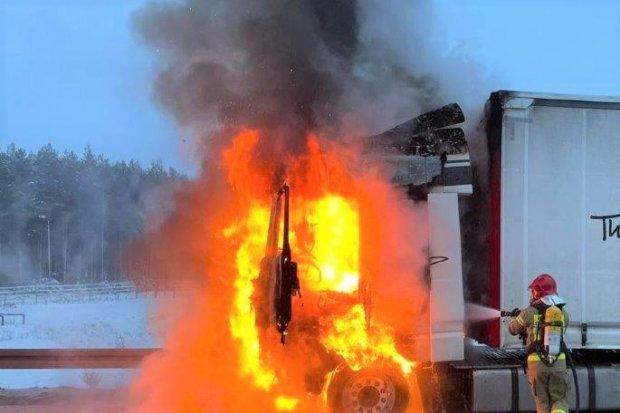 31 pożarów, 40 miejscowych zagrożeń