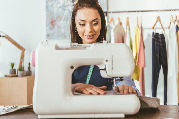 Szeroki wybór tkanin dla profesjonalistów i amatorów szycia