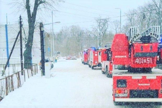 Pożar w Zebrzydowej i ewakuacja mieszkańców. Jedna osoba poszkodowana