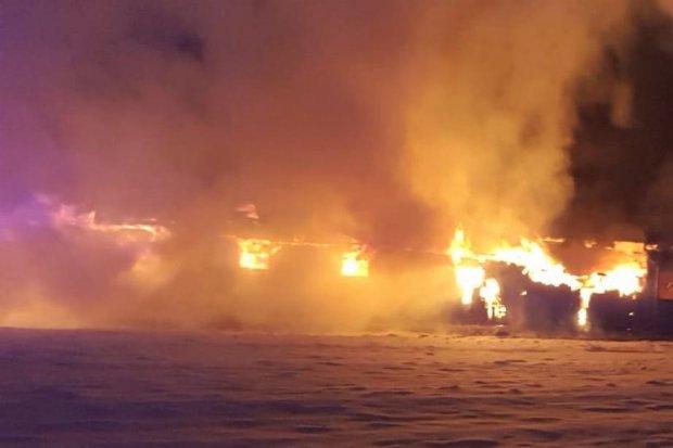 Poważny pożar w miejscowości Modła. Działania trwały prawie 15 godzin. SZCZEGÓŁY