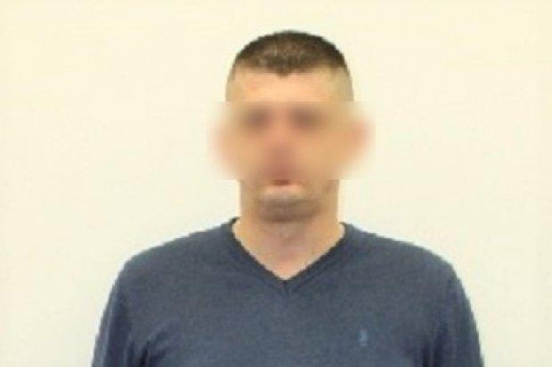 Strzelił do policjantów z wiatrówki, odpowie za kilkanaście przestępstw. 40-latek aresztowany