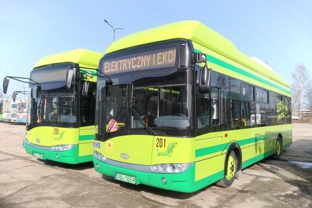 Ponad 100 km po naładowaniu. MZK Bolesławiec ma dwa nowe elektryczne autobusy!