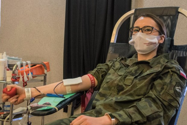 Pancerniacy oddali prawie 7 litrów krwi
