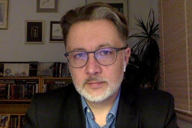 """Michał Rusinek o książce """"Mój cień jest różowy"""", która wspiera dzieci w byciu sobą"""