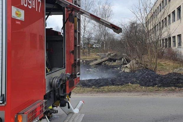 Kolejne pożary nieużytków, tym razem w Kraśniku i Trzebieniu