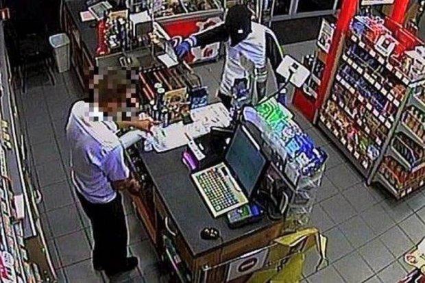 Napadł na sklep i stację benzynową, sterroryzował personele. 36-latek aresztowany