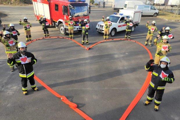 Strażacy z Trzebienia inicjatorami kolejnego challenge'u. Cel? Serce Wiktorka
