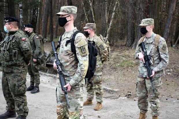 Zawody strzeleckie na strzelnicy 23 Śląskiego Pułku Artylerii w Bolesławcu